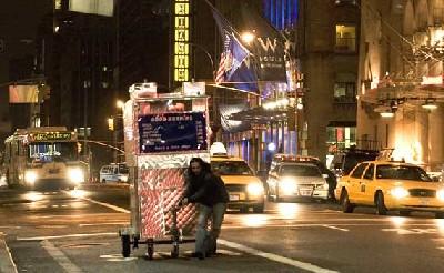 Un fotograma de Man push cart (fotografía de Filmsphilos, procedente de nymag.com)