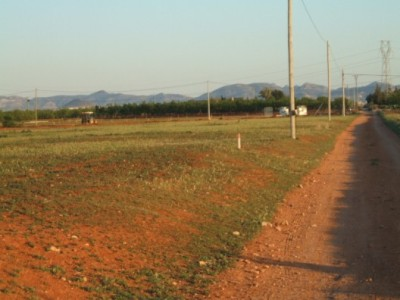 Un terreno agrícola próximo al urbano. Imagen de redlg.net/terrenos