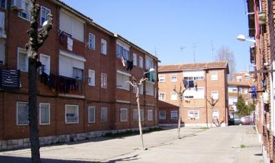 """Vista de uno de los espacios interbloques del Polígono """"29 de octubre"""", de Valladolid (imagen procedente de 29deoctubre.net)"""