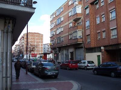 Edificio nº 63 de la calle Arca Real, de Valladolid (Foto: MS, 09-03-08)