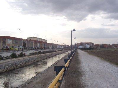 Camino del Martillete, junto al Esgueva, en Valladolid (foto de Puce86, procedente de la web skyscrapercity.com)