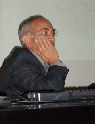 Lorenzo López Trigal, durante la mesa redonda (Foto: MS)
