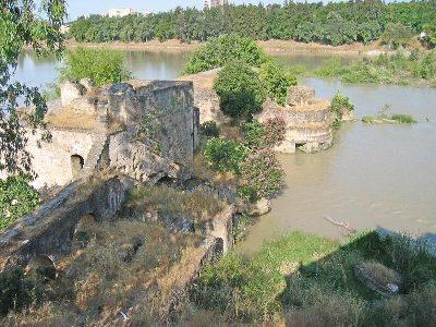 Molino de hierro, junto al que se sitúan los terrenos de El Cordel de Écija, donde se construirán 1800 nuevas viviendas (imagen procedente de wikanda.cordobapedia.es).