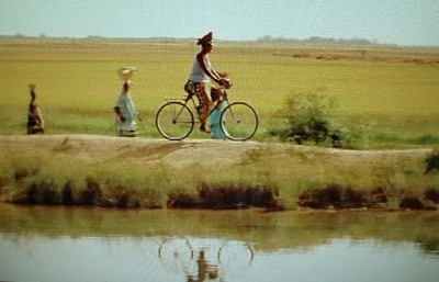 Una imagen de La vie sur terre, de Abderrahmane Sissako (Francia, Mauritania, Malí, 1998)