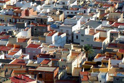 Vista de Tabernas, Almería, que su autor, Cuéllar, titula La colmena (imagen procedente de flickr, cargada el 28 de octubre de 2006).