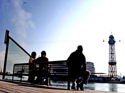 Banco mirando al puerto de Barcelona (imagen procedente de avile.blogspot.es)