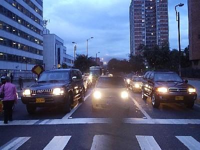 Entran a Bogotá. Calle 37, Carrera 15 (Imagen procedente de caelanoche.zoomblog.com)