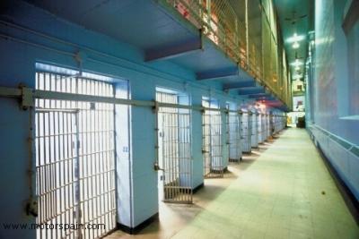 Galerías de una cárcel española (imagen procedente de motorspain.com)