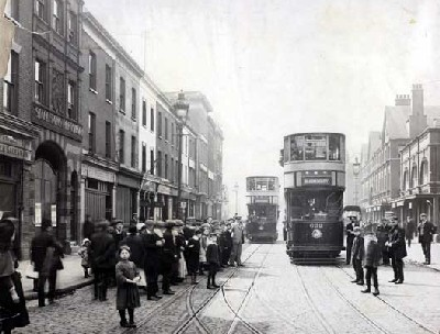 Commercial Road de Londres en 1909 (imagen procedente de cityoflondon.gov.uk)