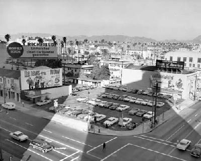Cruce de Wilshire y Western, barrio de Koreatown, Los Ángeles, a finales de los 50 (foto procedente de smokershack.wordpress.com)