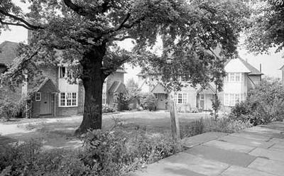 Foto antigua de Hampstead Garden Suburb, Londres. (Imagen propiedad de English Heritage, procedente de uel.ac.uk)
