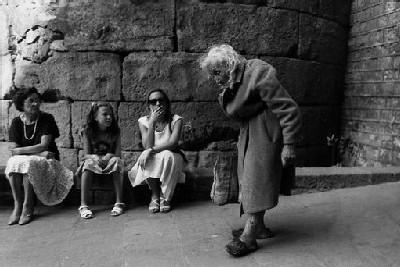 Una mujer en Barcelona. Foto de Antonio Martos Martínez publicada en picasaweb.google.com/antoniomartosmartinez.