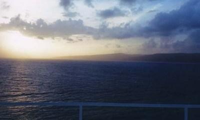 Al fondo, la isla de la Tortuga (imagen procedente de discoverhaiti.com)