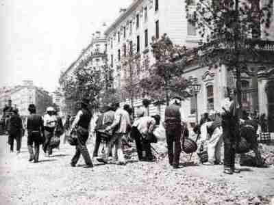 Pavimentación de la calle de Alcalá, Madrid, año 1900. (Imagen procedente de ucm.es)
