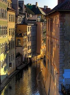 Un canal en Mala Strana, Praga (imagen procedente de eureka-reservation.com)