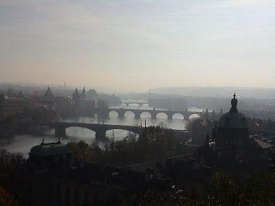 Praga y los puentes sobre el Moldava (Imagen procedente de wikipedia.org)