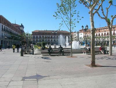 Plaza Mayor de Torrejón de Ardoz, Madrid, 2009, fotografiada por Lehman (imagen procedente de Wikipedia.org)