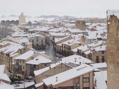 Las casas de Turégano (Segovia), vistas desde el castillo (imagen procedente de static.flickr.com).